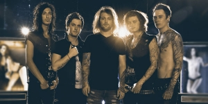 Asking Alexandria: Debauched